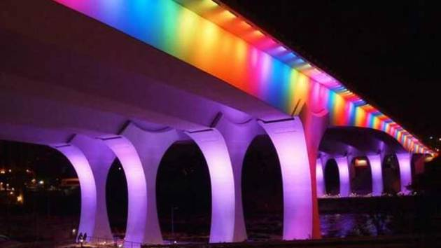 Pride 35W Bridge